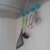 【100均グッズ】吊るすキッチン収納アイデア2つ。スッキリも使いやすさも手に入れる