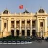 ハノイ・オペラ・ハウスでベトナム版シルク・ド・ソレイユA O Showを鑑賞する