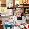 浅草の「歌わないスナック」的名店、「正直ビヤホール」のママをエクセルで描いてみた