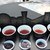 寒い日は紅茶に砂糖を入れて飲むとおいしい