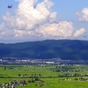 【写真】蓋沼森林公園。JR只見線の撮影地。撮り鉄が喜ぶ水田と会津盆地の俯瞰撮影。福島県会津美里町
