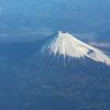 飛行機の窓から <富士山>