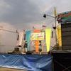 [ま]お寺の前でビキニダンサーたちが登場する爆裂音響の歌謡ショー @kun_maa