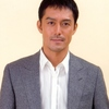 俳優・阿部寛の人生を変えた一行の劇評!
