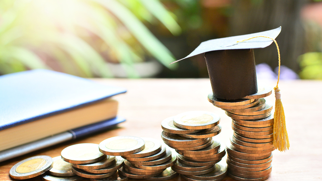 大学生におすすすめの投資を解説!勉強方法や注意点とは?