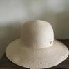 子育て中のママにとってまず必要なアイテム、それは帽子だったのね!