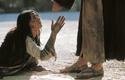 「罪のない者だけが石を投げよ」   ヨハネによる福音書