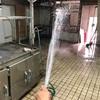 【100万円カフェ開業】もはや趣味となっている店舗の大掃除。汚れているなら水de流せばいいじゃない!今日の埋蔵金はいくら?