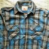 私の古着から1980〜90年代と思われる「Levi's OUTDOOR ALASKA(リーバイス・アウトドア・アラスカ)」のネルシャツをご紹介。見た目やタグの特徴、着こなしなどを書きました