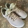 ファッション性よりも歩きやすさを重視した靴の方が良いと思う