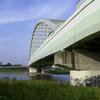 橋を架ける者たち