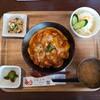 【金沢 カラアゲニストの唐揚げ ランチ】「ぼんじりのピリ辛親子丼」ごはんBistro Poulet frit (ごはんビストロぷれふり)