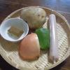 ジャガイモと魚肉ソーセージのカレー煮込み