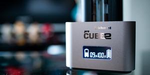 へーネル プロキューブ2はCanon Nikon Sonyなど複数バッテリー充電が便利!