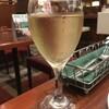 ロイヤルホストには、スパークリングワインがある。