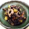 『ひじき煮』『ひじきの炊いたん』今夜の副菜にいかがでしょう♪材料さえ切ってしまえば、後は煮るだけ簡単☆