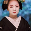 鶴の髪飾りの舞妓さん
