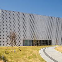 【金沢】「金沢海みらい図書館」美しいデザインの建物で金沢の文化を学ぼう!