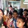 スラムから歌手になれる時代に!?インド最大スラムの、子供達の授業風景。