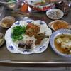 幸運な病のレシピ( 943 )朝:煮しめ(牛と里芋)、チンジャオロースー風、塩サバ、汁の仕立て直し