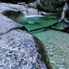 乳岩峡の新緑の絶景
