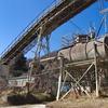 日立セメント太平田鉱山(1):貯鉱場に輝く石灰石。