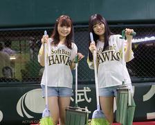 裏方仕事でホークスを下支え!? HKT48渕上舞さん・本村碧唯さんがヤフオクドームの舞台裏に潜入!