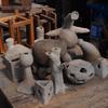 9年生の陶芸 自由課題作品.  Plastizieren der 9Klasse