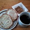 メープルパンとコーヒと納豆
