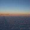 ウユニ塩湖 どこまでも真っ白な、地上の雲海