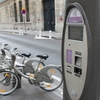 パリの街はレンタサイクルで軽快に♪