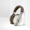 ゼンハイザー「MOMENTUM Wireless 3」に「Sandy Whiteモデル」が5/14に登場!〜至高のノイキャンヘッドホンに爽やかな新色〜