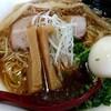 らーめん屋「麺屋KAZU-G」の丸鶏醤油らーめんは透き通るスープが絶品!!