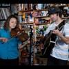 今日の動画。 - Mandolin Orange: NPR Music Tiny Desk Concert