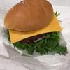コストコの「マンゴースムージー」と「1/3パウンドチーズバーガー」を食べてきた!