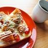 トマトの酸味がアクセントマヨチーズコロッケトースト【やみつきレシピ】