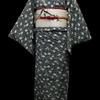 黒地白梅縮緬小紋×白地インコ柄刺繍名古屋帯