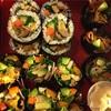 巻き寿司、長芋と干し海老の煮物、叩きごぼう、ほうれん草胡麻和え、黒豆と大根の唐辛子風味煮、けんちん風味噌汁、