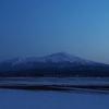 夜明け前の鳥海山