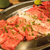 「肉と日本酒(千駄木)」肉が素晴らしいのはもちろんのこと、日本酒のラインナップがとにかく最高