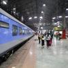 ムンバイからアーメダバードへ特急列車で行く。6時25分発の12009号