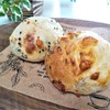 【手作りパンレシピ】チーズをinしたパン生地で作る全粒粉プチパン3種