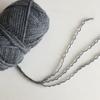 毛糸をほどいて人形のウェーブヘアーに使う方法