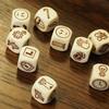 9つのダイスから始まる物語。想像力を高めるコミュニケーションゲーム「ローリーズ ストーリー キューブス(Rory's Story Cubes)」