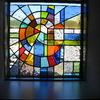 小さな窓だけど、ステンドグラスが作り出す幻想的な世界に癒されています。