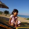 こどもと海リゾート。ビーチチェアからの落下にご注意!(死海・ヨルダン
