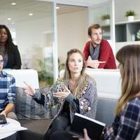企業が留学生に期待する能力と留学生の就活