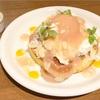 天使のクリーム♡ 桃のレアチーズパンケーキ(cafe accueil @恵比寿)
