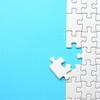 パズル1000ピースを完成させる7つコツとは?収納とのり付け方法も解説!