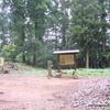 郡山城跡のベンチ